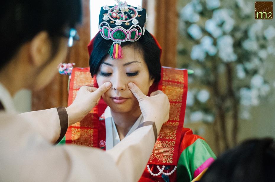 Tea-ceremony-bride