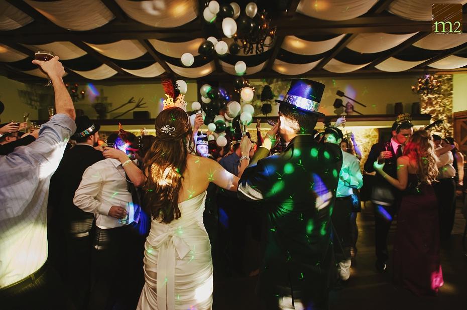 balloons-NYE-wedding