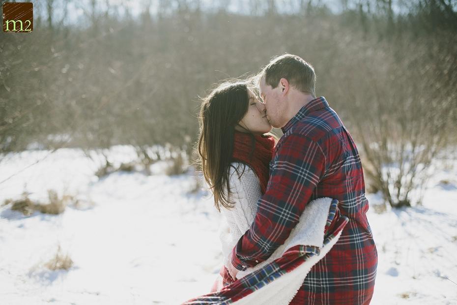 flannel-blanket-engagement-shoot